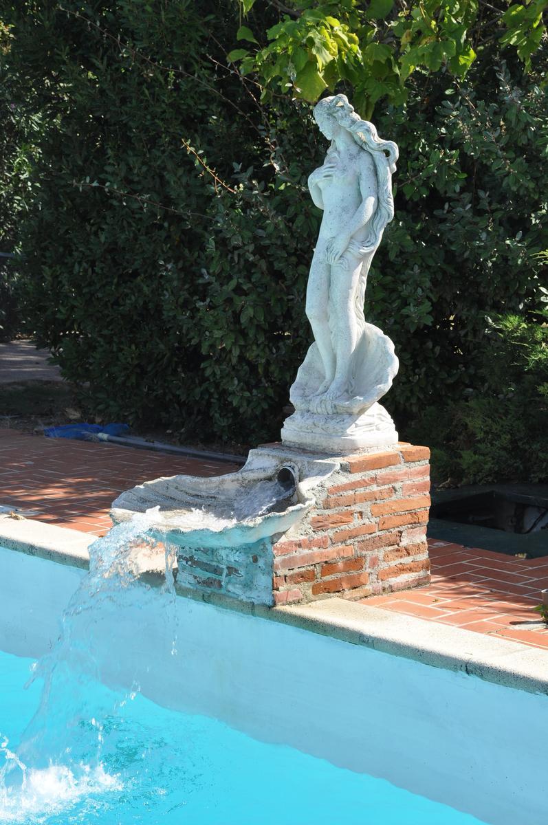 Les chambres domaine de hurlevent for Accessoire piscine deco